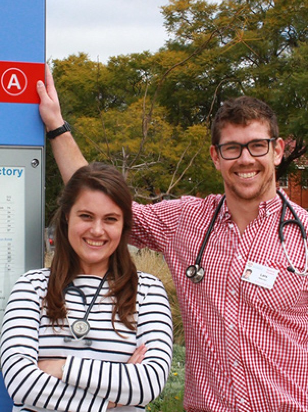 Medical students Jess and Lars at Dubbo Hospital