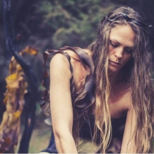 Performer and choreographer Sinsa Mansell, a proud Aboriginal woman from the Northern region of Tasmania, tells stories and traditions of Tasmanian Aboriginal culture.