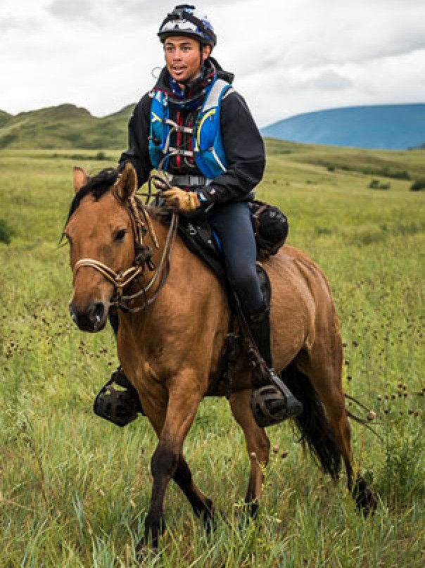 Rural doctor completes world's toughest horse race for rural mental health